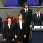 Учителя гимназии, ученик которой віступил в Бундестаге, уволили