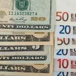 Курс доллара в России пошел в рост из-за новых санкций
