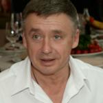 Сыноставил умирающего Олега Табакова иоборвал связь сРоссией