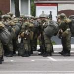 Разведка: Россия подвезла на оккупированный Донбасс «гумконвой» — две сотни офицеров