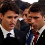 Кортеж премьер-министр Канады попал в аварию в США
