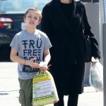 Анджелина Джоли приобрела в подарок своим детям настоящую змею