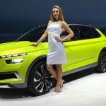 Самые яркие девушки Женевского автосалона