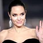 Анджелина Джоли опровергла свою измену Брэду Питту на съемках