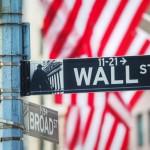 Wall-street выросла в четверг, стоимость Apple вплотную приблизилась к $1 трлн