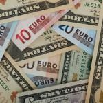 Курс доллара — рубль продолжает обваливаться всю неделю