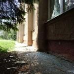 В Светлодарске под обстрел пророссийскими боевиками попала школа с почти 400 детьми внутри.