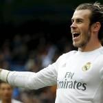 Футболист мадридского Реала прикидывался восковой фигурой и пугал посетителей музея