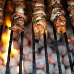 Ученые Дагестана: Стоять рядом с мангалом во время приготовления шашлыка опасно для здоровья