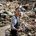 Анджелина Джоли посетила разрушенный бомбардировками мегаполис