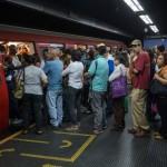 Метро Каракаса стало бесплатным — в стране кончилась бумага для билетов