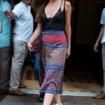Дакота Джонсон ходила по Нью-Йорку, засвечивая свое белье эротическим нарядом