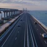 Крымский мост уже начал отделяться от оккупированного Крыма и скоро может рухнуть. Но денежки-то уже попилены