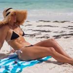 Дженнифер Лопес продолжает праздновать день рождения на пляже в бикини