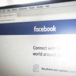 Алгоритмы Facebook пометили 65 тысяч россиян как «изменников родины»: The Guardian