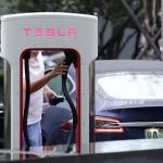 Сотрудник Tesla Мартин Трипп обвинил компанию в обмане инвесторов и использовании опасных батарей