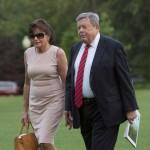 Родители Мелании Трамп получили гражданство США