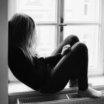 В Петербурге трое мужчин изнасиловали девушку и выбросили ее из окна