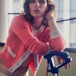 Милла Йовович продолжает шокировать фотосессиями