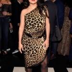 Сальма Хайек позировала в облегающем леопардовом платье