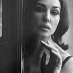 Моника Белуччи снялась в чувственной черно-белой фотосессии