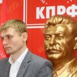 Выборные страсти в Хакасии: единорос снялся со второго тура, а у коммуниста ищут наркотики
