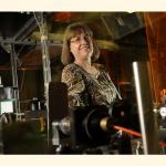 Нобелевскую премию в области физики впервые за 55 лет получила женщина