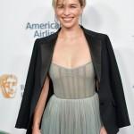 Эмилия Кларк вышла на ковровую дорожку в прозрачном платье