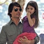 Том Круз бросил свою маленькую дочь — СМИ