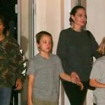 Анджелина Джоли впервые за последний месяц публично вышла с детьми