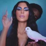 Ким Кардашьян снялась в рекламе с голым мужчиной