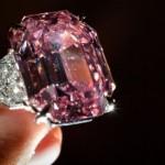 Крупнейший в истории розовый бриллиант продан за 50 млн.