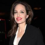 Анджелина Джоли впервые вышла в свет в белом платье