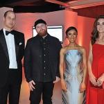Кейт Миддлтон в красном платье и Меган Маркл в черном выглядели ослепительно на ужине