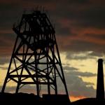Стоимость нефти продолжает стремительно обваливаться