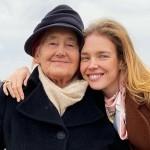 Наталья Водянова устроила бабушке экскурсию по Парижу, которая его никогда не видела