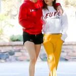 Роман в разгаре: Кристен Стюарт гуляет по Лос-Анджелесу в обнимку с новой девушкой