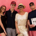 Кэтрин Зета-Джонс и Майкл Дуглас неожиданно уехали на Кубу