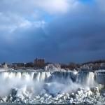 Ниагарский водопад практически замерз (фото)