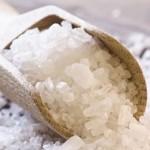 Вся морская соль покрыта микропластиком