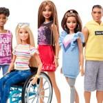 У новых кукол Барби появится инвалидное кресло и протез ноги