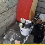В Минске внучка выбросила пять банок с ураном, найденные в квартире бабушки (видео)