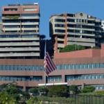 Кризис в Венесуэле: США закрывают посольство и отзывают дипломатов