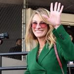 Джулия Робертс в зеленом костюме и с яркими аксессуарами приняла участие в церемонии на «Аллее славы» в Голливуде
