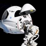 Американский Dragon 2 успешно состыковался с МКС (видео)