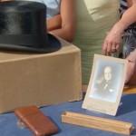 Британец порылся на свалке и нашел шляпу и портсигар Черчилля