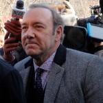 Обвиненный вдомогательствах Кевин Спейси неожиданно пришел всуд