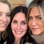 Кортни Кокс отметила 55-летие с коллегами по сериалу «Друзья» Дженнифер Энистон и Лизой Кудроу