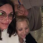 Дженнифер Энистон устроила разгромную вечеринку (фото)