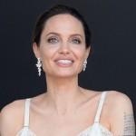 Анджелина Джоли подпишет самый дорогой в истории контракт
